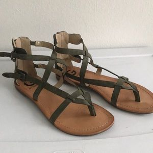 Gladiator sandals in olive green